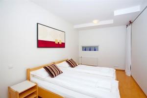 golden-circle-apartments
