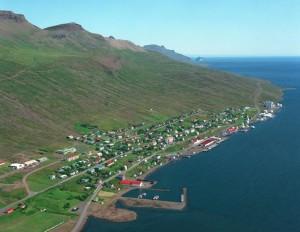 faskrudsfjordur-town