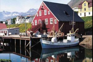 siglufjordur-town