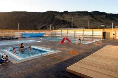 Vík Swimming Pool